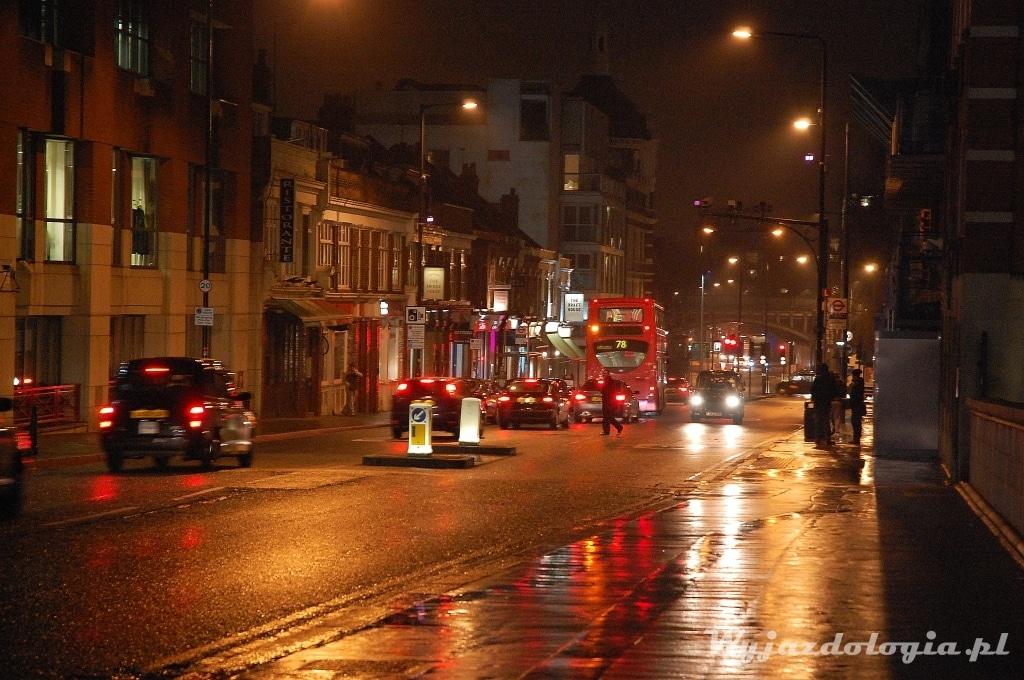 londyńska ulica zimą