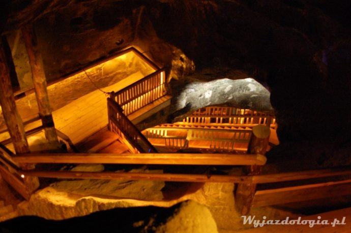 drewniane schody w wieliczce