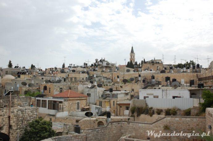 anteny satelitarne na dachach jerozolimy