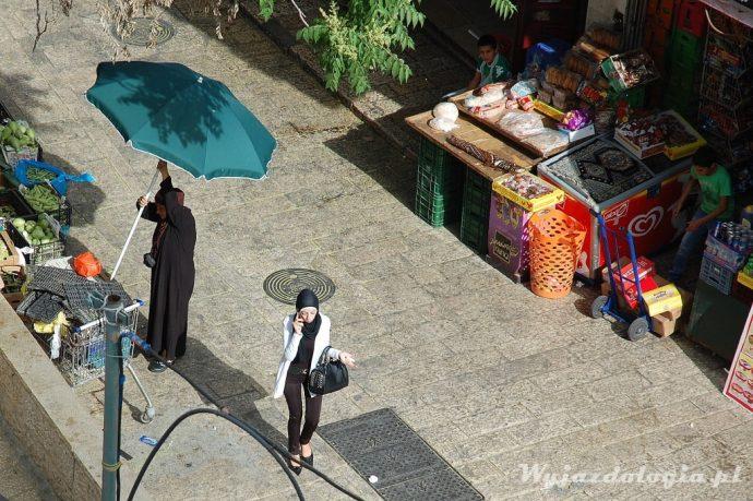 muzułmanki stawiają stragan w jerozolimie