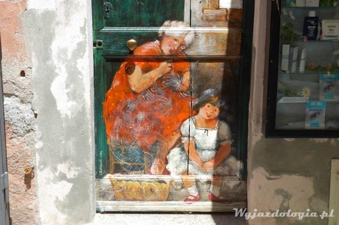 malowane drzwi we włoszech