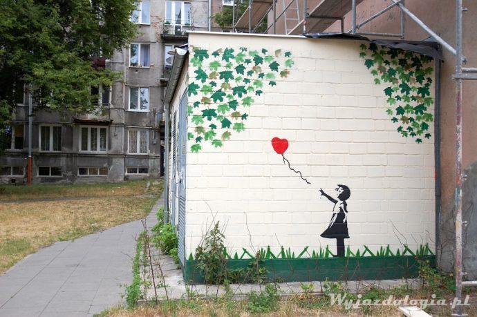 nawiązanie do Banksyego na warszawskiej Pradze