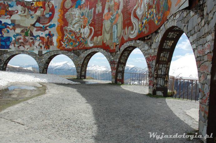gruzińska droga wojenna czyli jak dojechać z tibilisi do kazbegi