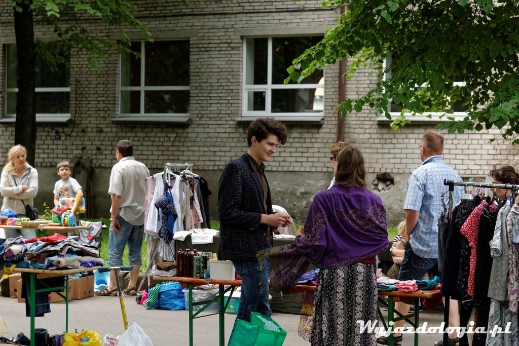pchli targ w Tallinie