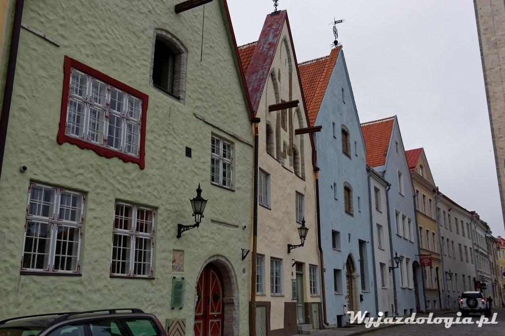 Tallin kolorowe domy na starówce