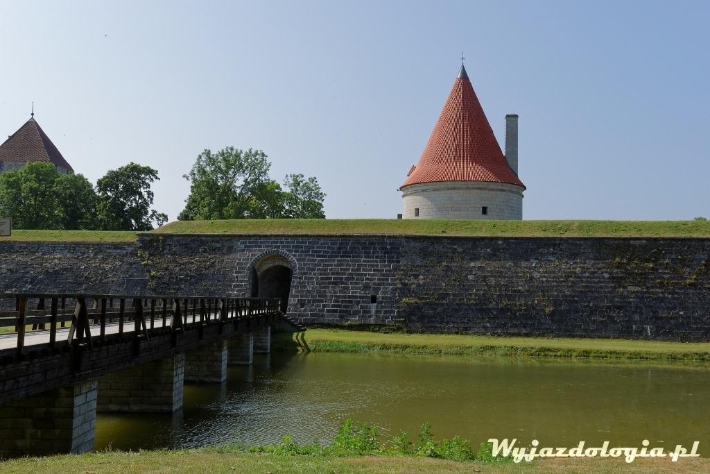zamek w Kuressaare na wyspie Sarema w Estonii atrakcje