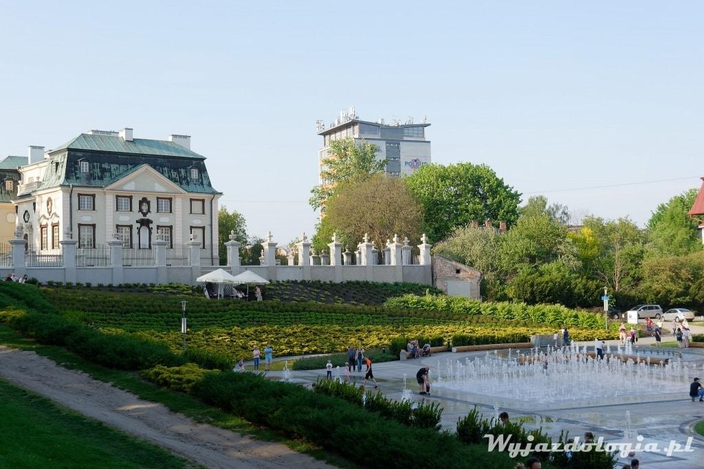 obok fontanny w rzeszowie znajduje się letni Pałac Lubomirski