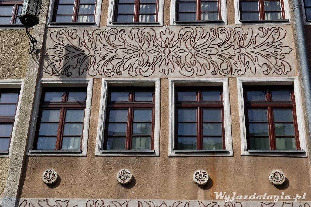 fasad ana rynku starego miasta w Olsztynie