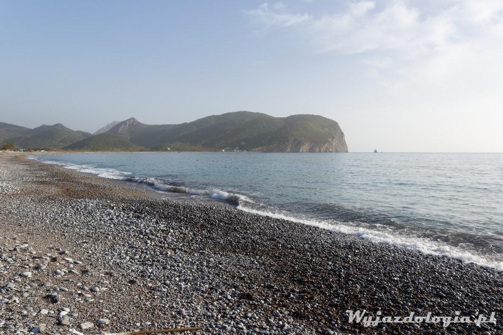 czarnogóra kamieniste plaże
