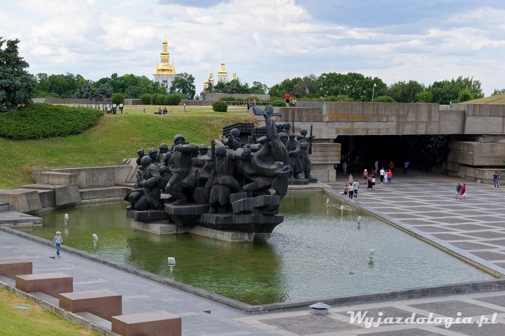 Kijów muzeum drugiej wojny zwiedzanie atrakcji miasta