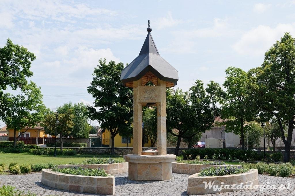 pomnik traktatu z Trianon