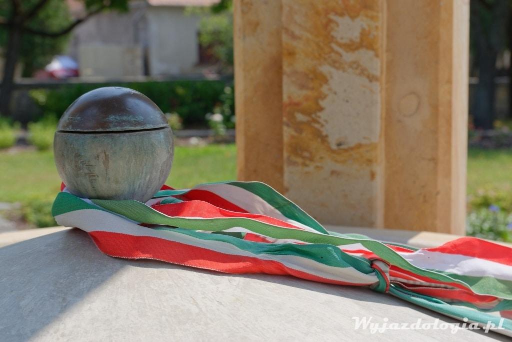 Węgry pomnik Trianon