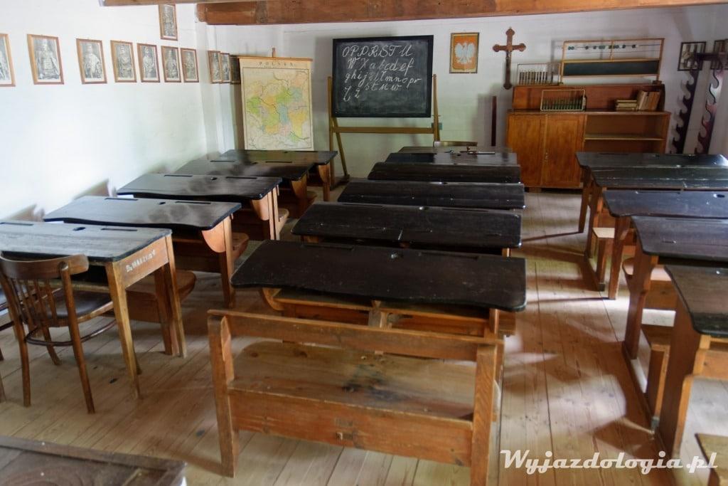wnętrze starej wiejskiej szkoły sjansen Maurzyce