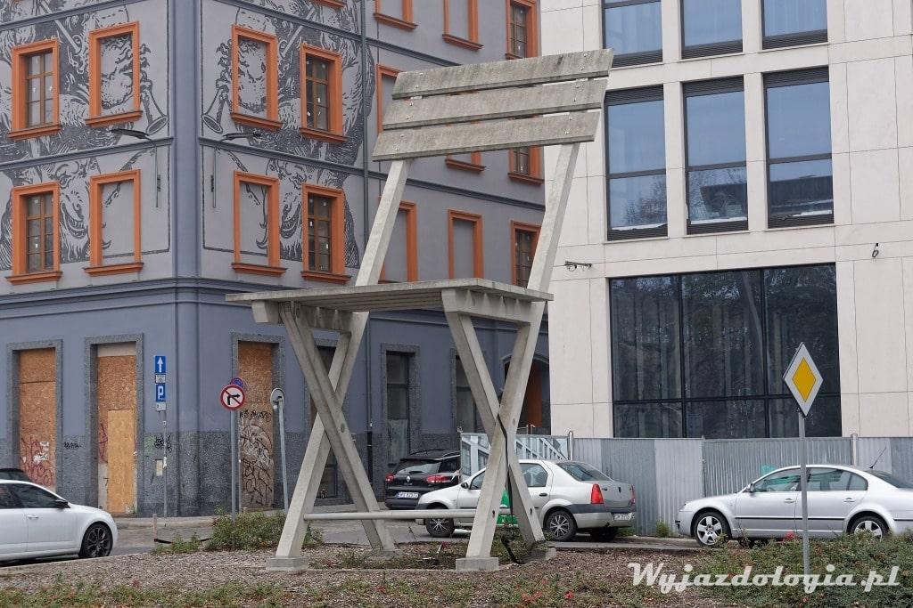 Betonowe Krzesło Tadeusza Kantora to alternatywna atrakcja Wrocławia