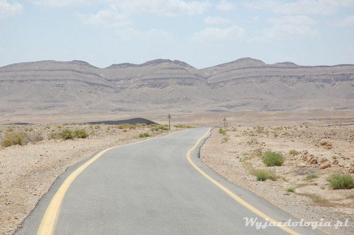 pustynna droga w Izraelu