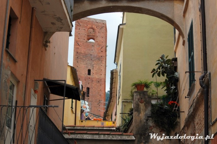 wieża brama włochy