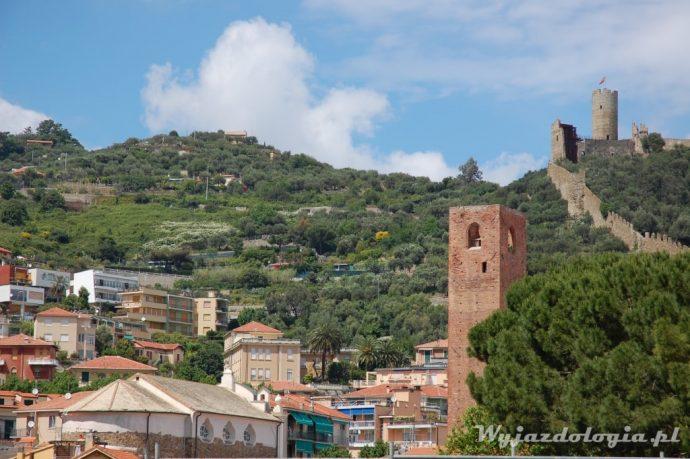 wieża w noli we włoskiej ligurii