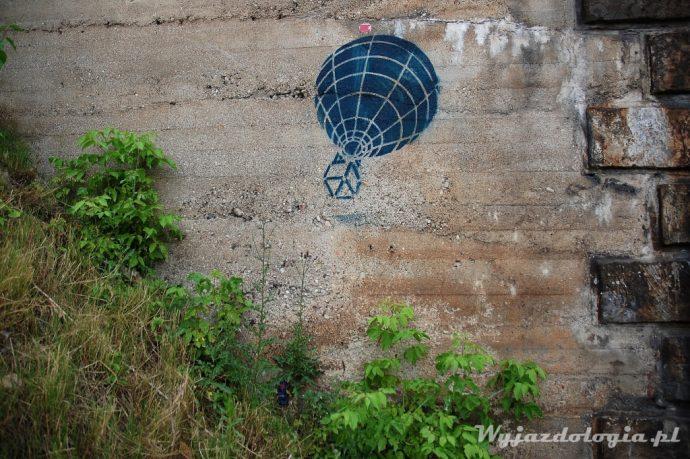 Balon leci przy warszawskim stadionie narodowym