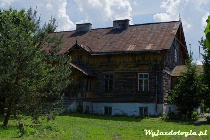 stara drewniana plebania w Łęcznej