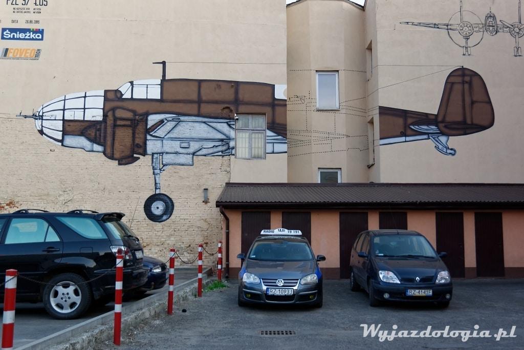 Mural z samolotem Łoś Rzeszów