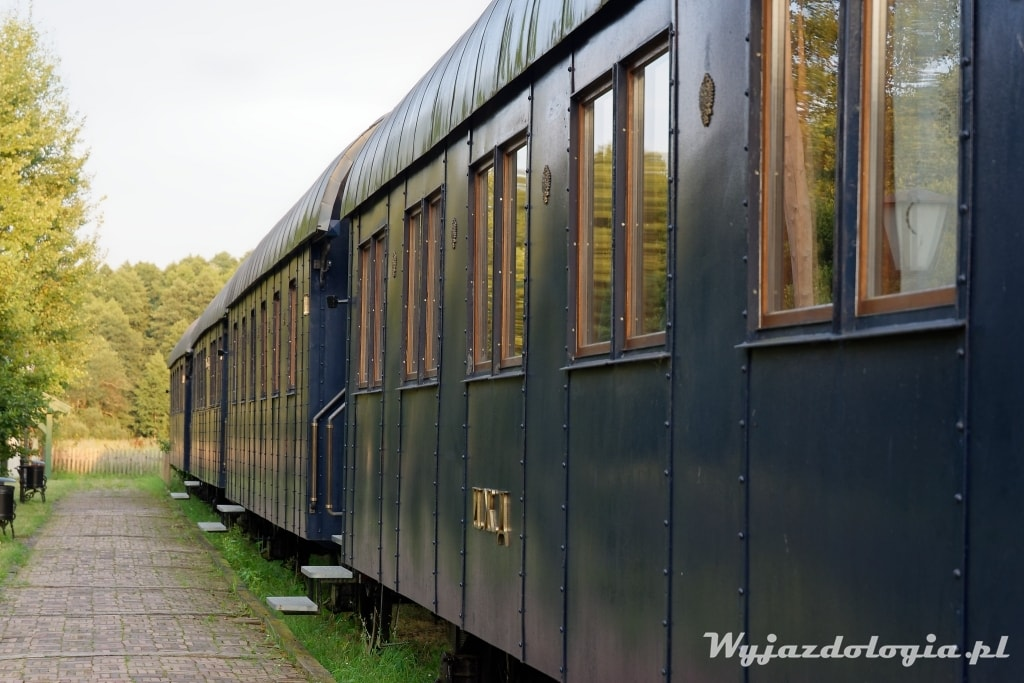 białowieża wagony kolejowe