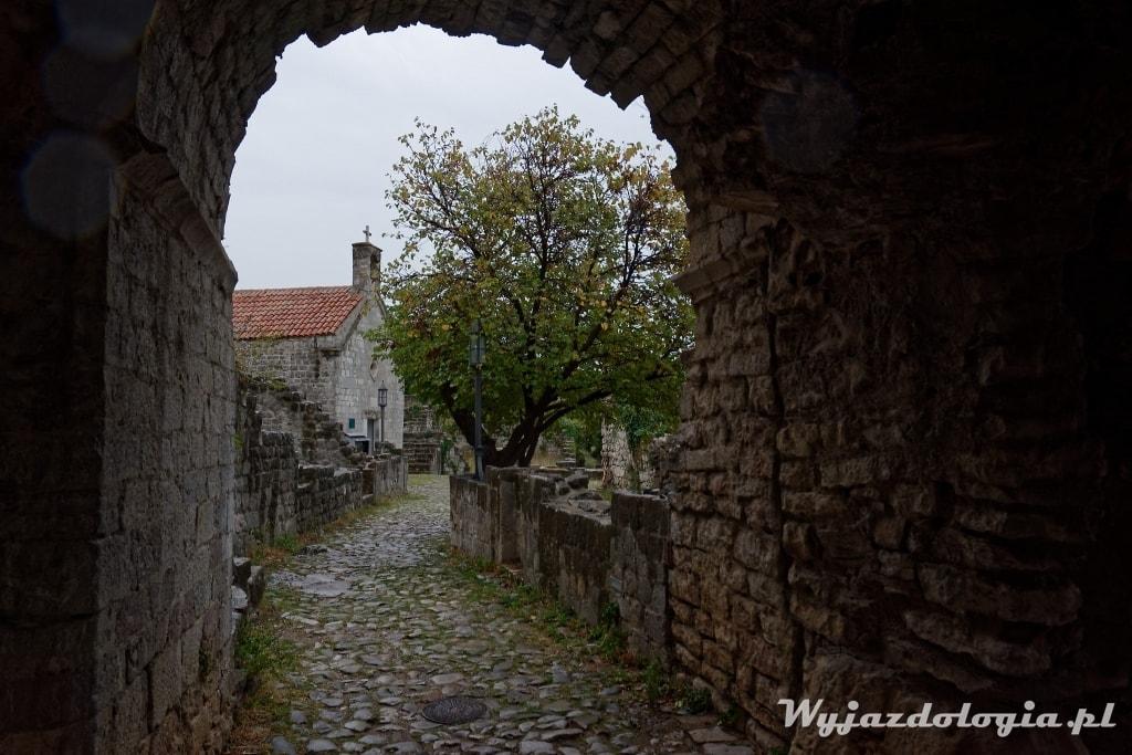 CZarnogóra zwiedzanie ruin Starego Baru