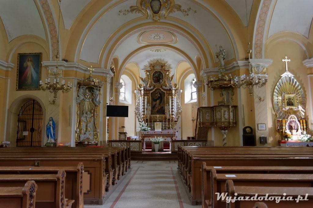 wnętrze kościoła w polanicy zdroju