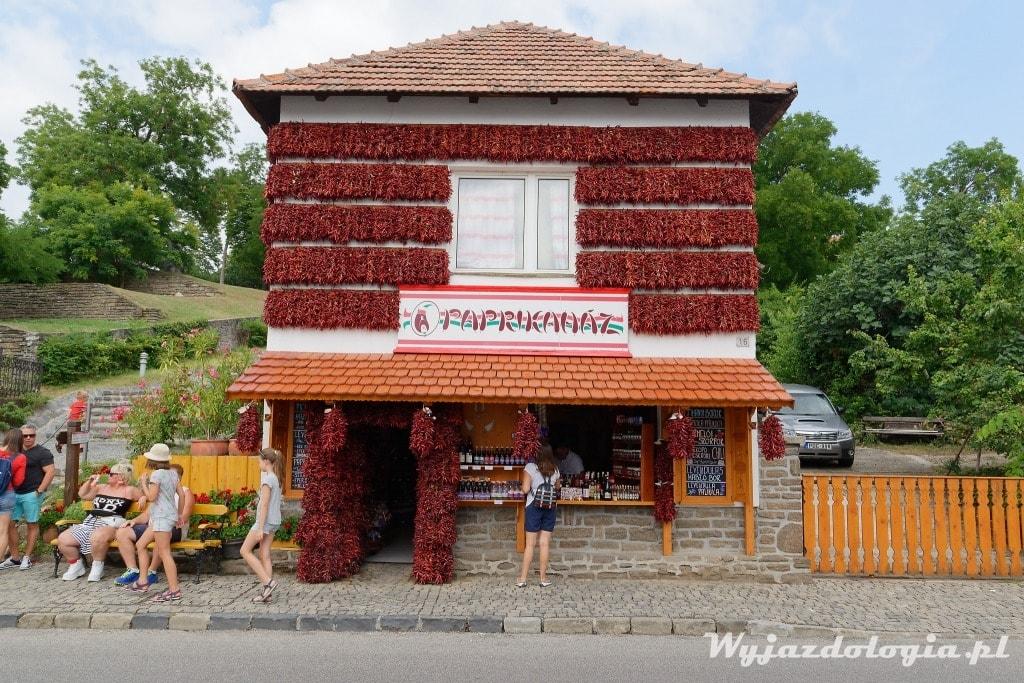 paprykowy dom w Tihany atrakcja balatonu