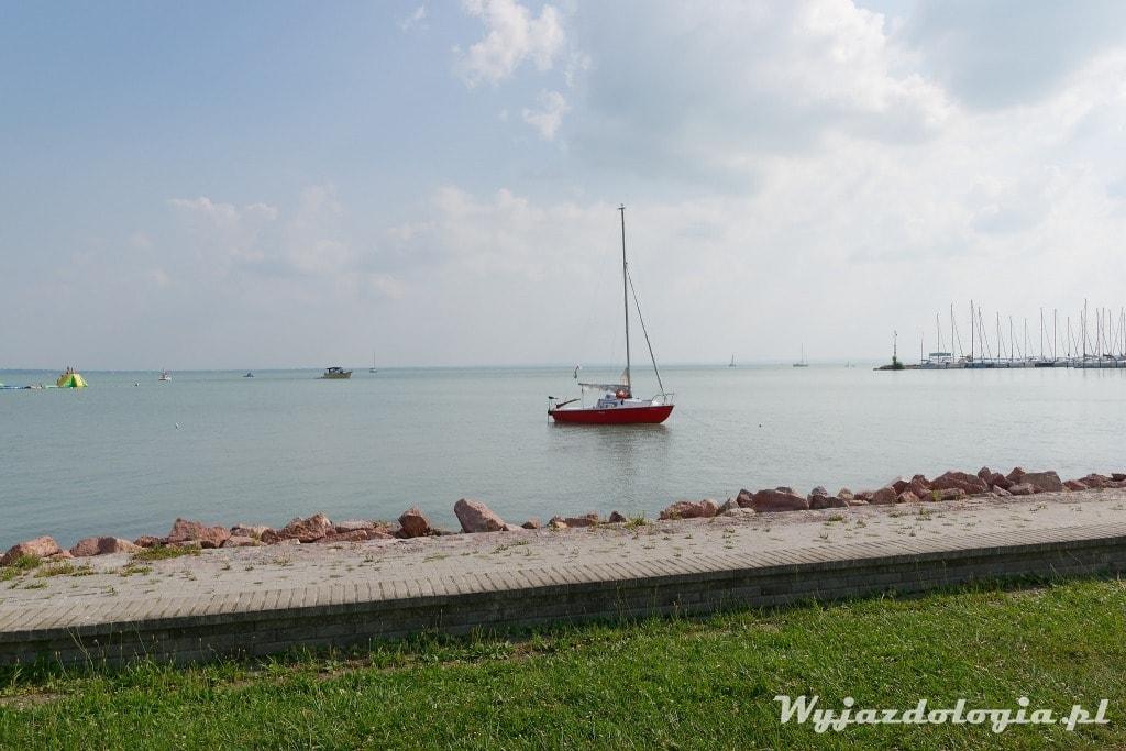 łódka na Balatonem