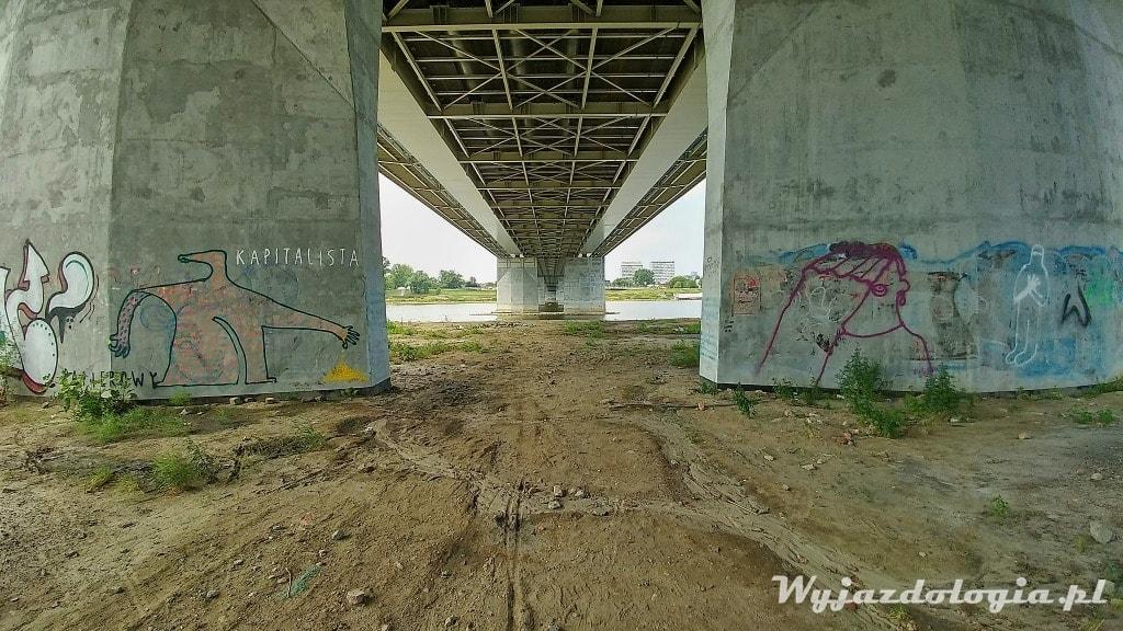 Most Łazienkowski w Warszawie od spodu