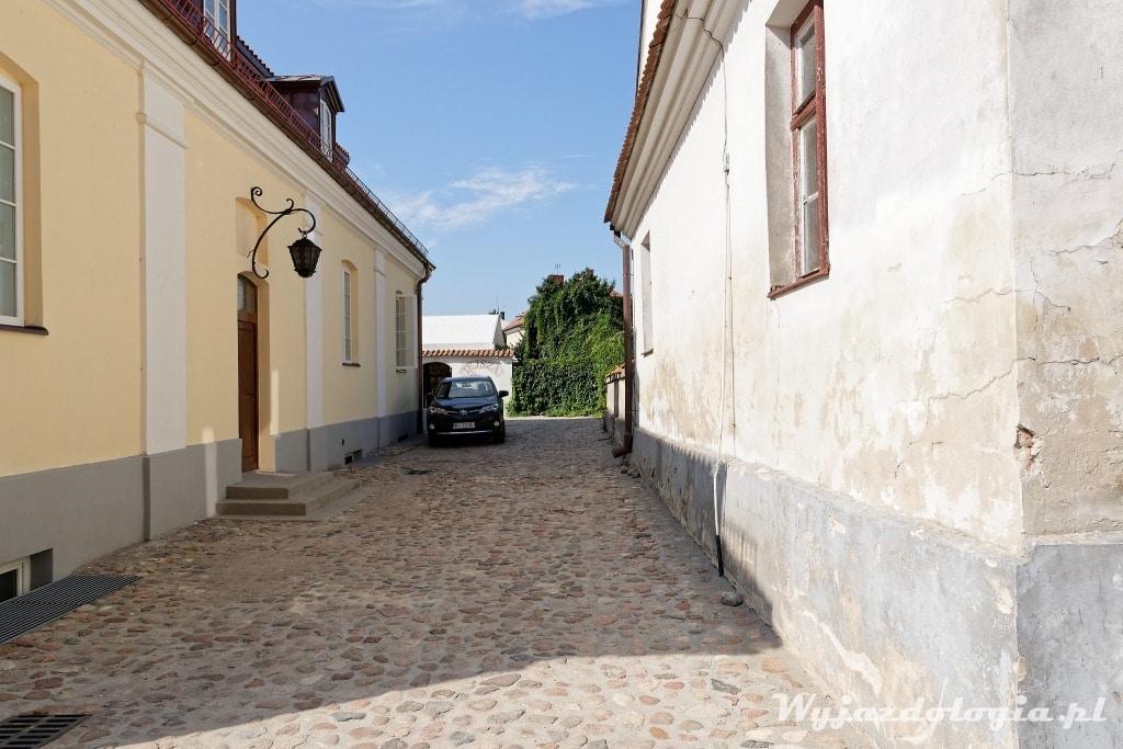 Warto w Tykocinie pospacerować po brukowanych uliczkach