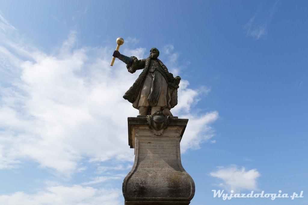 pomnik Stefana Czarnieckiego w Tykocinie
