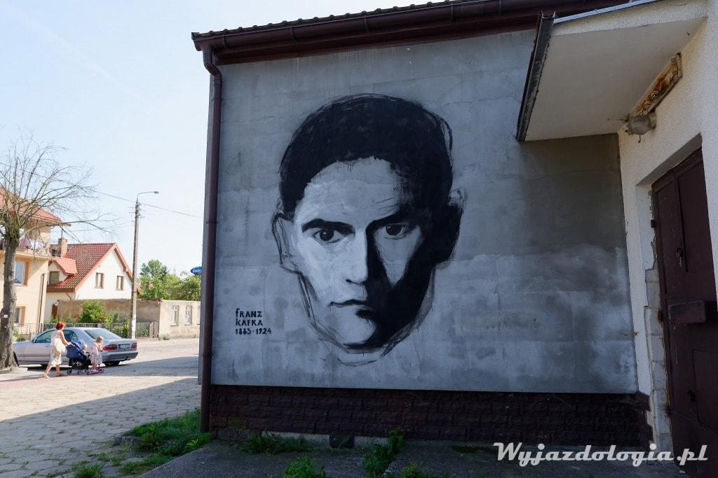 Franz Kafka mural w Tykocinie