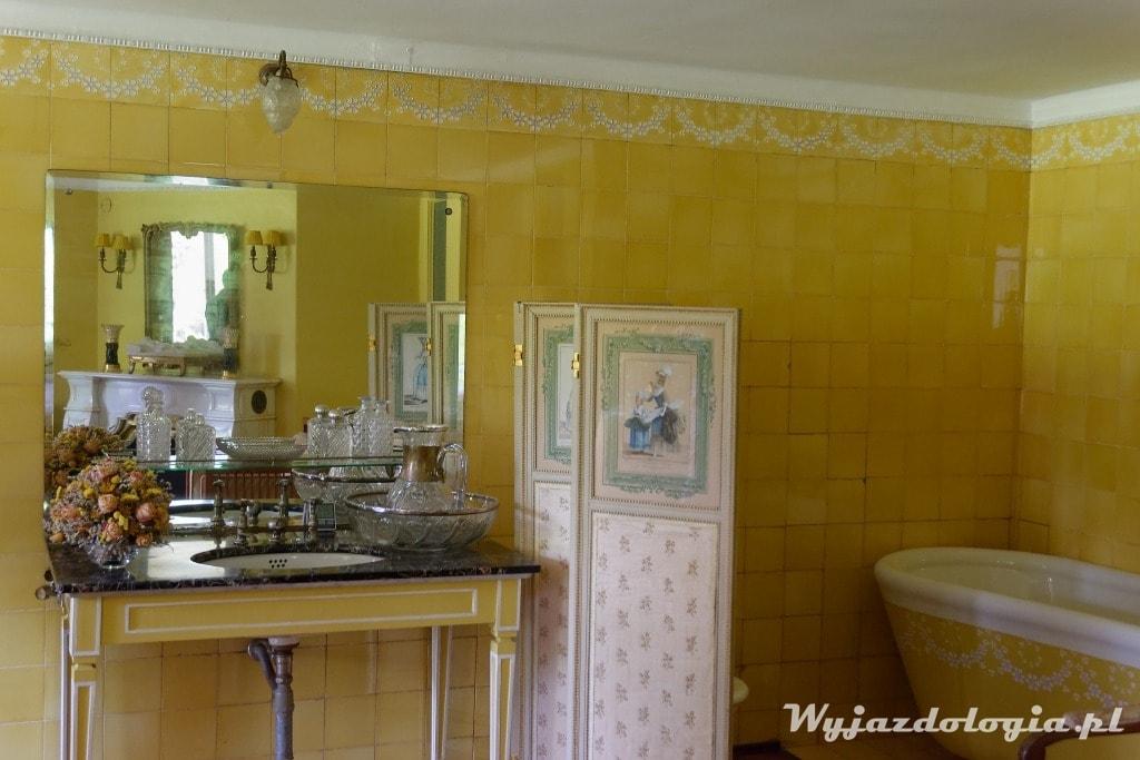 żółta łazienka na Zamku w Łańcucie
