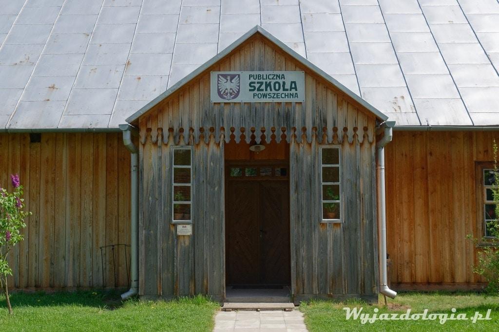 Szkoła Powszechna drewniana
