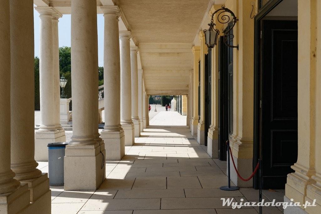 Pałac Schonbrunn warto zwiedzić w Wiedniu