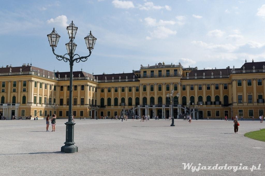 zwiedzanie pałacu Schonbrunn w Wiedniu