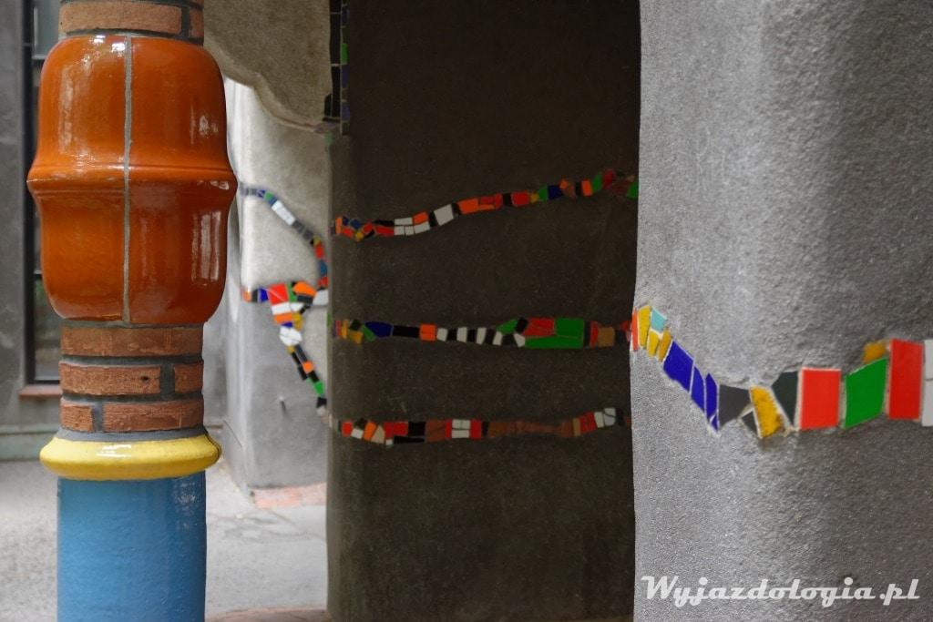 Mozaika w domu Hundertwassera