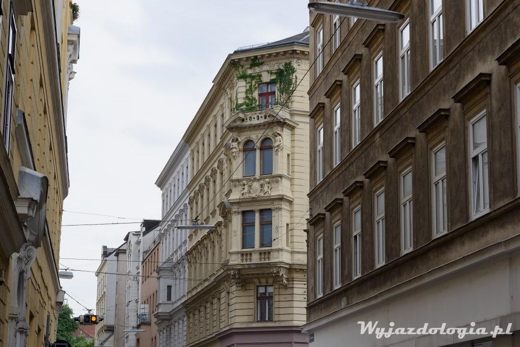 Wiedeń fasada secesyjnej kamienicy